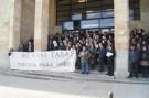 El Colegio de Abogados de León emitió ayer un comunicado en el que anuncia que se suma hoy a las 12.00 horas, a las concentraciones convocadas en toda España por el Consejo General de la Abogacía contra la Ley de Tasas